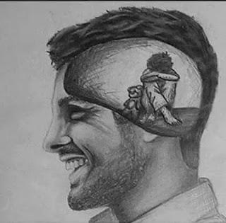 tetap tersenyum meskipun sebenarnya sedih