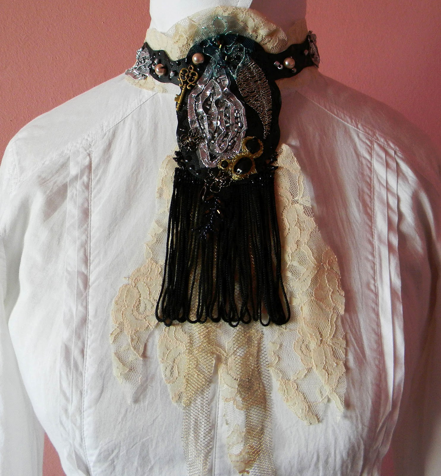 Charleston Jabot/Collar/Bib Vintage Look
