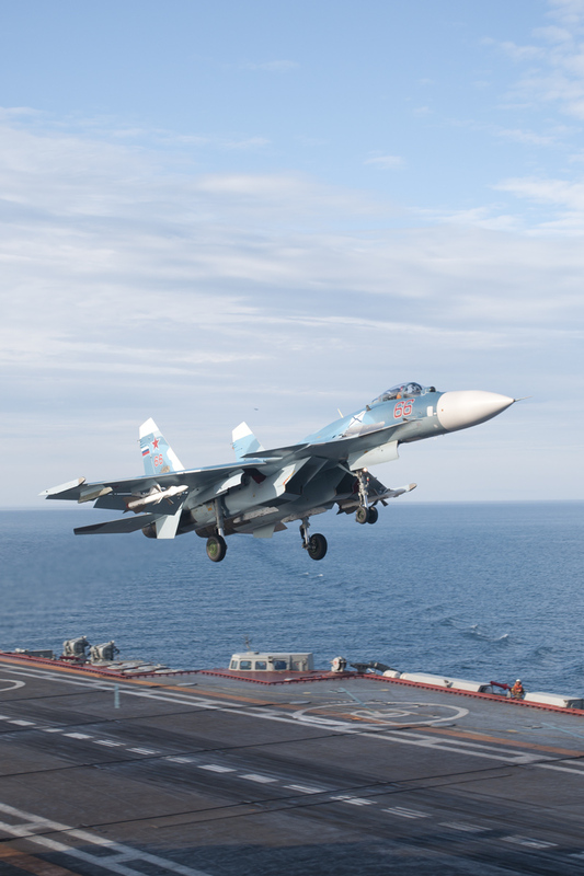 Russian Aircraft Carrier Admiral Kuznetsov with Its Su-33 ...