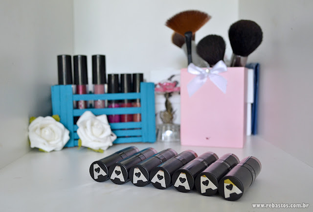 Batons Renata Meins Arela make up