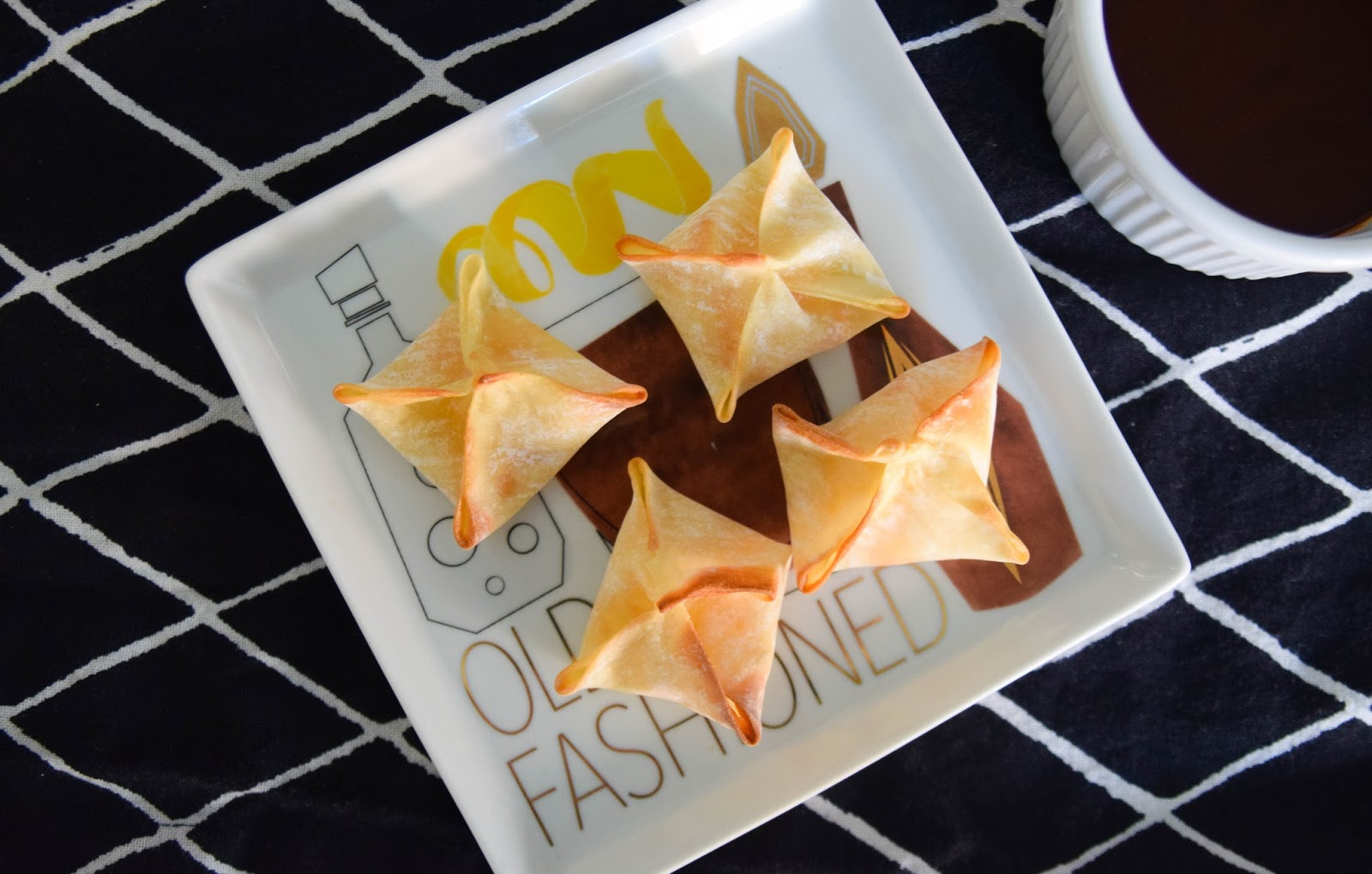 The Easiest Entertaining Recipe: Spicy Cream Cheese Wontons