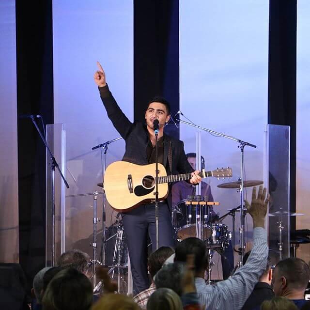 Argam Khachatrian - Do not give up 2017 live worship