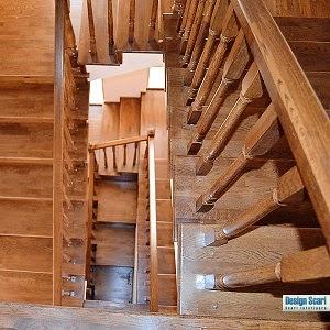 Design-interior-cu-scari-din-lemn-de-stejar-si-fag-constanta