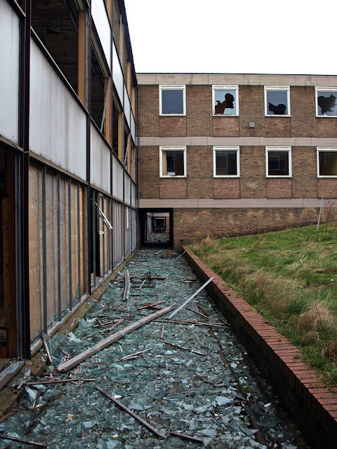 st lukes hospital, st luke's hospital, derelict, abandoned, decay, corridor, walking dead, urbex, huddersfield, demolition, scary, atmosphere, peeling paint, explore, adventure, danger, abandoned, asylum,