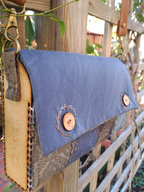 bolso laterales madera, wood sides bag, costura, sewing, couture, bordado, embroidery, broderie, pochette