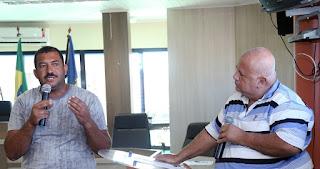 http://vnoticia.com.br/noticia/1476-legislativo-e-executivo-se-reunem-para-esclarecimentos-sobre-o-manejo-da-aroeira-em-sfi