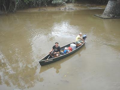 canoe sur la tonnegrande Guyane
