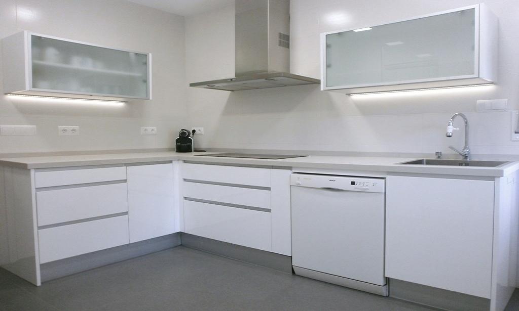 45 cocinas en blanco total cocinas con estilo - Cocina blanca mate ...