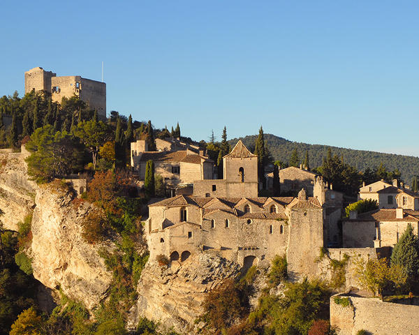 a school year in provence vaison la romain roman ruins and medieval cit. Black Bedroom Furniture Sets. Home Design Ideas