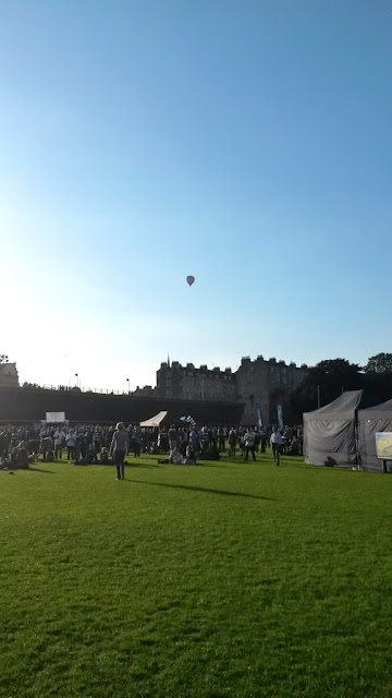 Hot air balloon over Bath Recreation Ground
