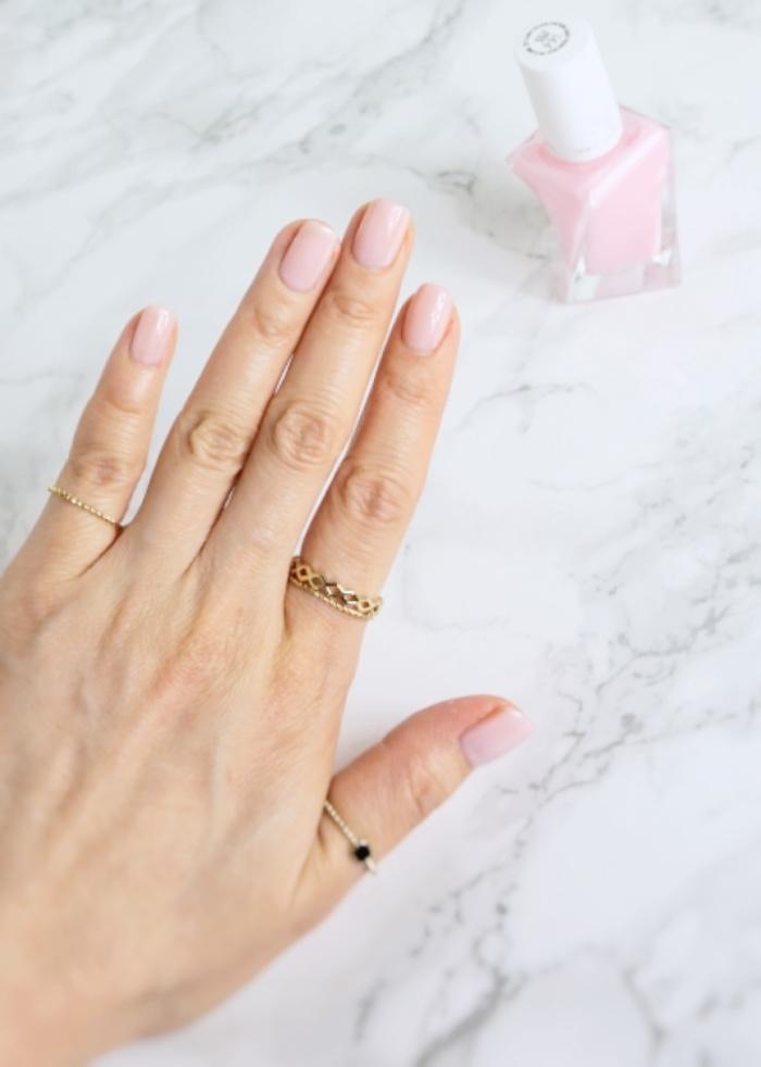 Essie Gel Couture Inside Scoop swatch