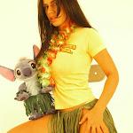 Andrea Rincon, Selena Spice Galeria 13: Hawaiana Camiseta Amarilla Foto 55