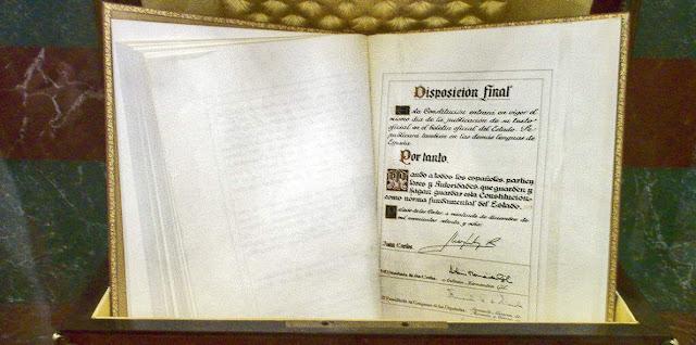 Constitucion, ordenamiento juridico y Derecho Constitucional