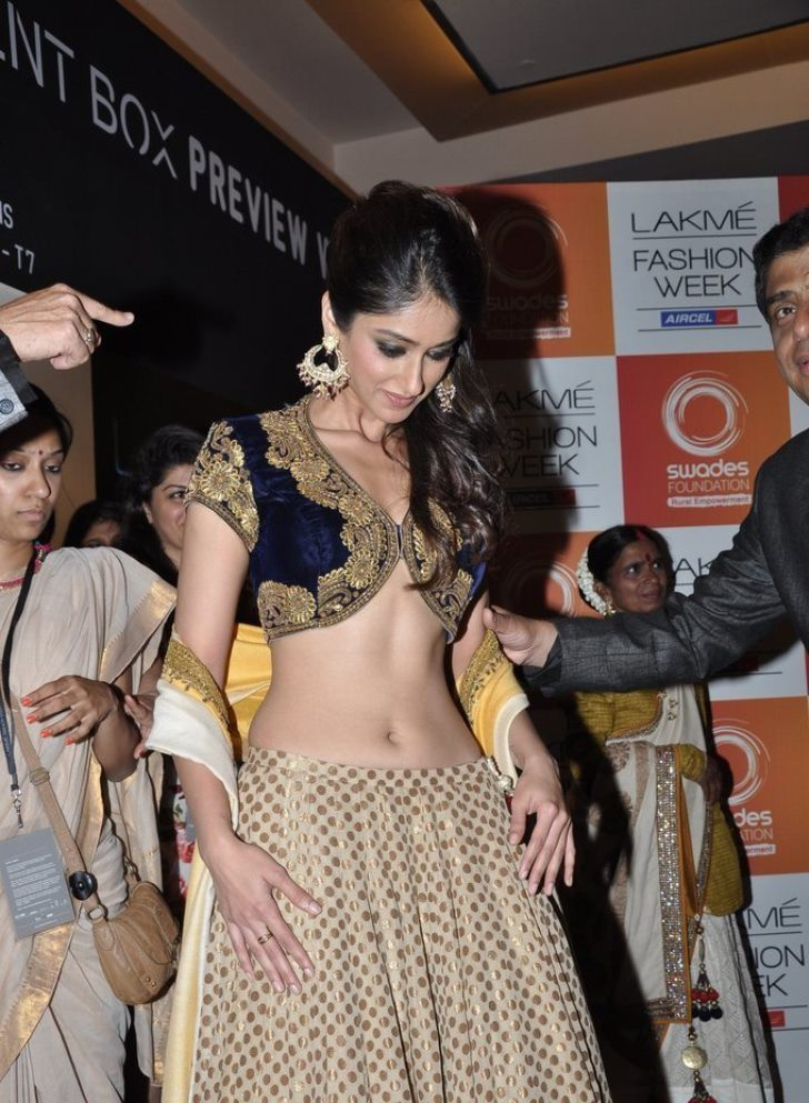 Ileana Deep Navel Show Photos