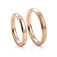 セミオーダーマリッジリング(結婚指輪)が二人にぴったり。