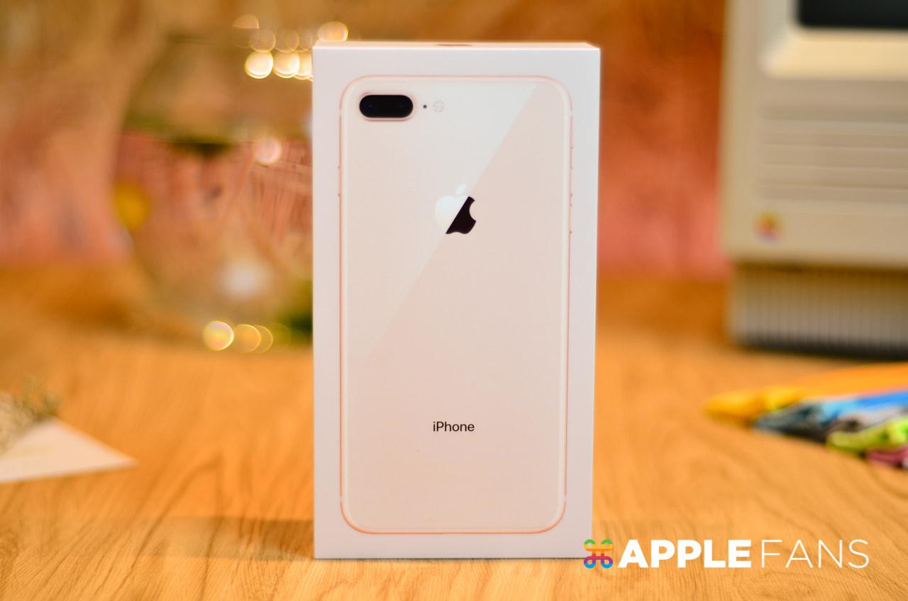 iPhone 8 外盒正面秀出玻璃背蓋