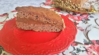 Рецепта за шоколадова торта със заквасена сметана