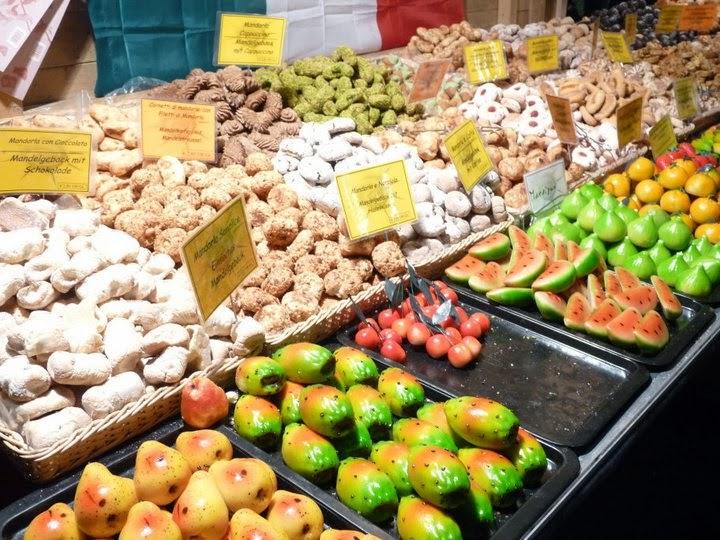 Marzipan fruits at a Vienna Christmas market