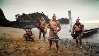 Parece que este grupo de maoríes se ha dado un buen atracón antes de la foto...