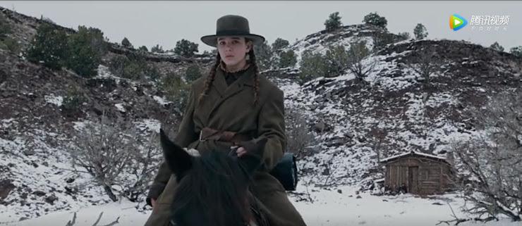 馬に跨って仇の男を追跡しているシーン…うっすらと雪も積もっている