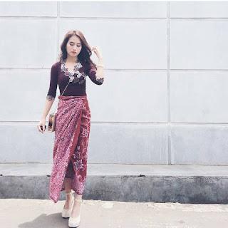 Model Blouse Batik Kebaya Casual Rok Panjang