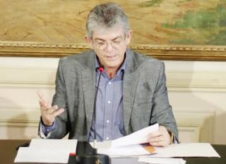 Ricardo Coutinho assina contratos do Empreender Paraíba nesta sexta-feira (15)