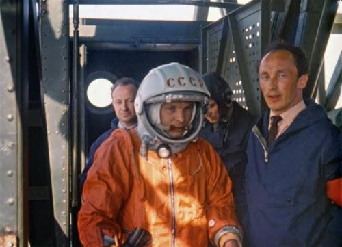 Yuri Gagarin il giorno del lancio nello spazio.