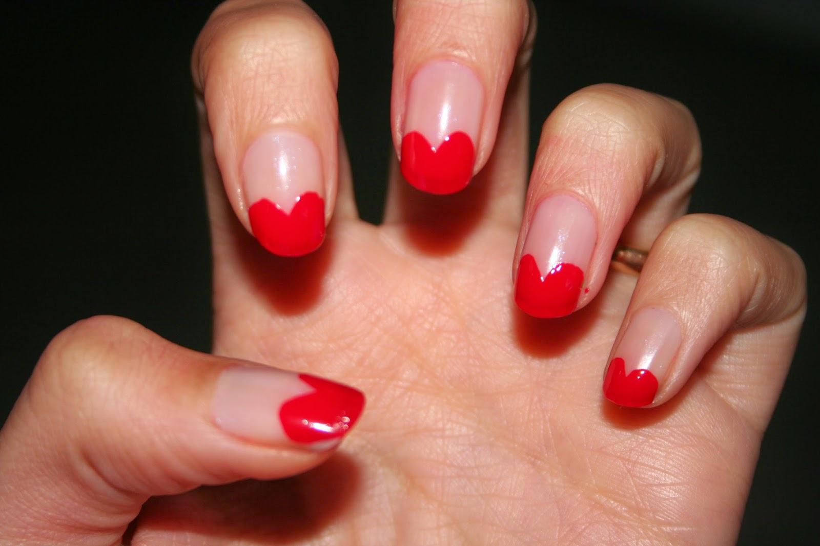 Estremamente Beauty Live: 31 Days Nail Challenge: day 1, Red Heart Nail Art WN12