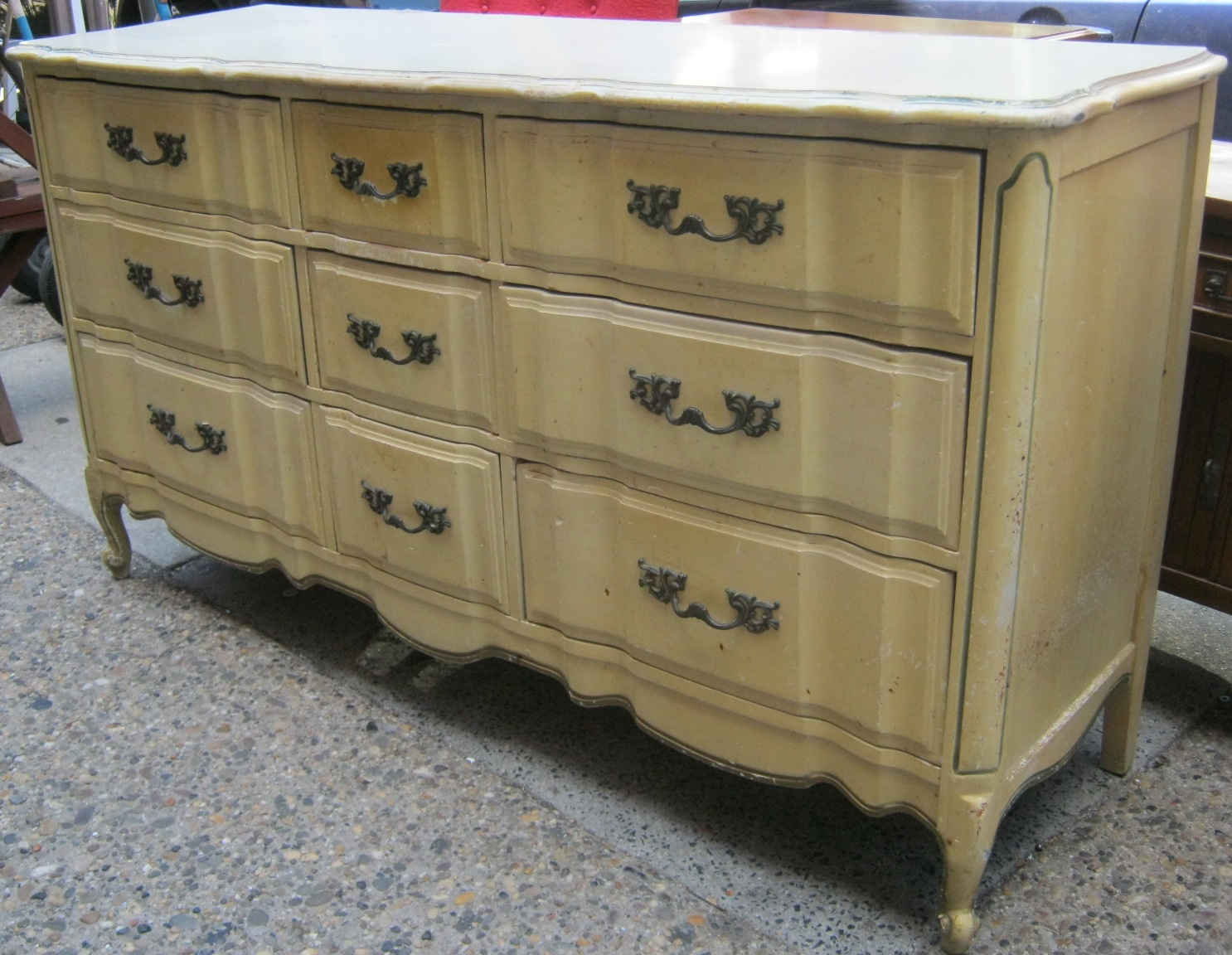 Uhuru Furniture & Collectibles: French Provincial Bedroom ...