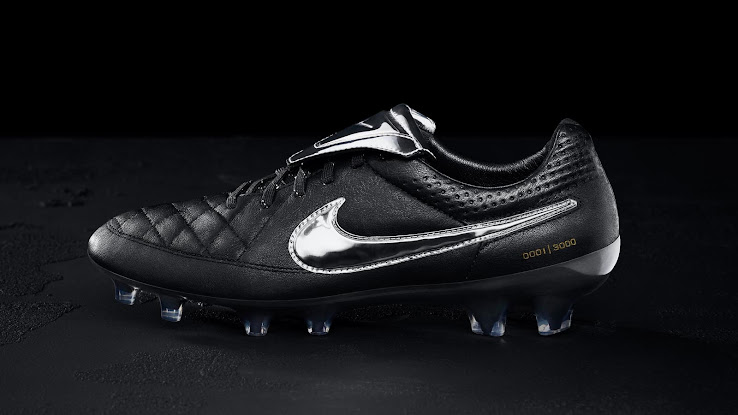 watch 73de5 a5a16 Nike Tiempo Legend Totti Boots Released - Footy Headlines