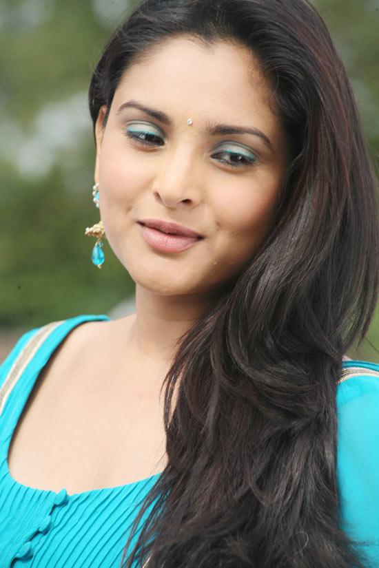 Tamil Hot Actress Hot Scene Divya Spandana Hot Sexy-8372