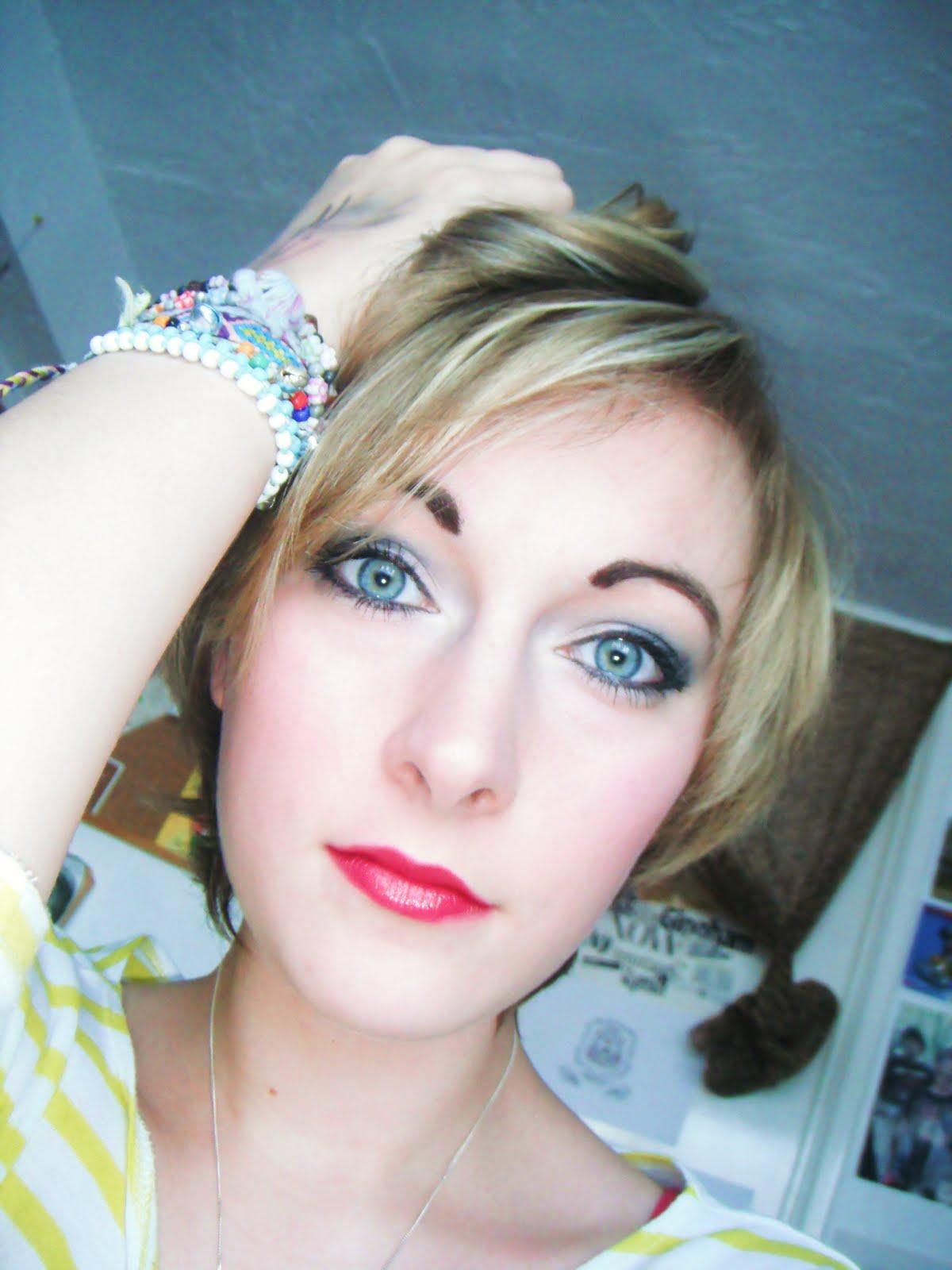 ! Enchanted Makeup: Playboy Bunny/ Pin up Look
