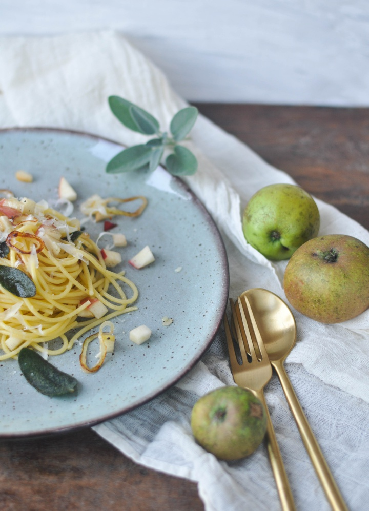 #glutenfree #pasta with crispy #sage and #apples, ready to eat in less than 15 minutes