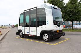 Self-driving shuttle bus