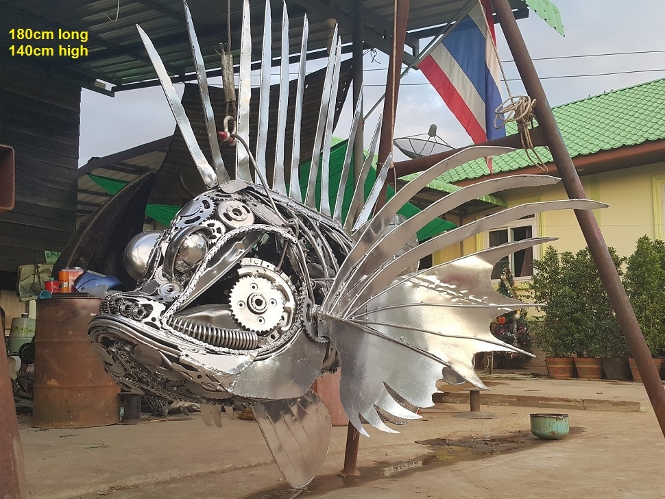 07-Lionfish-Namfon-Suktawee-Animals-Art-made-by-Upcycling-Scrap-Metal-in-Thailand-www-designstack-co