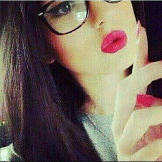 girls lips whatsapp dp for fb