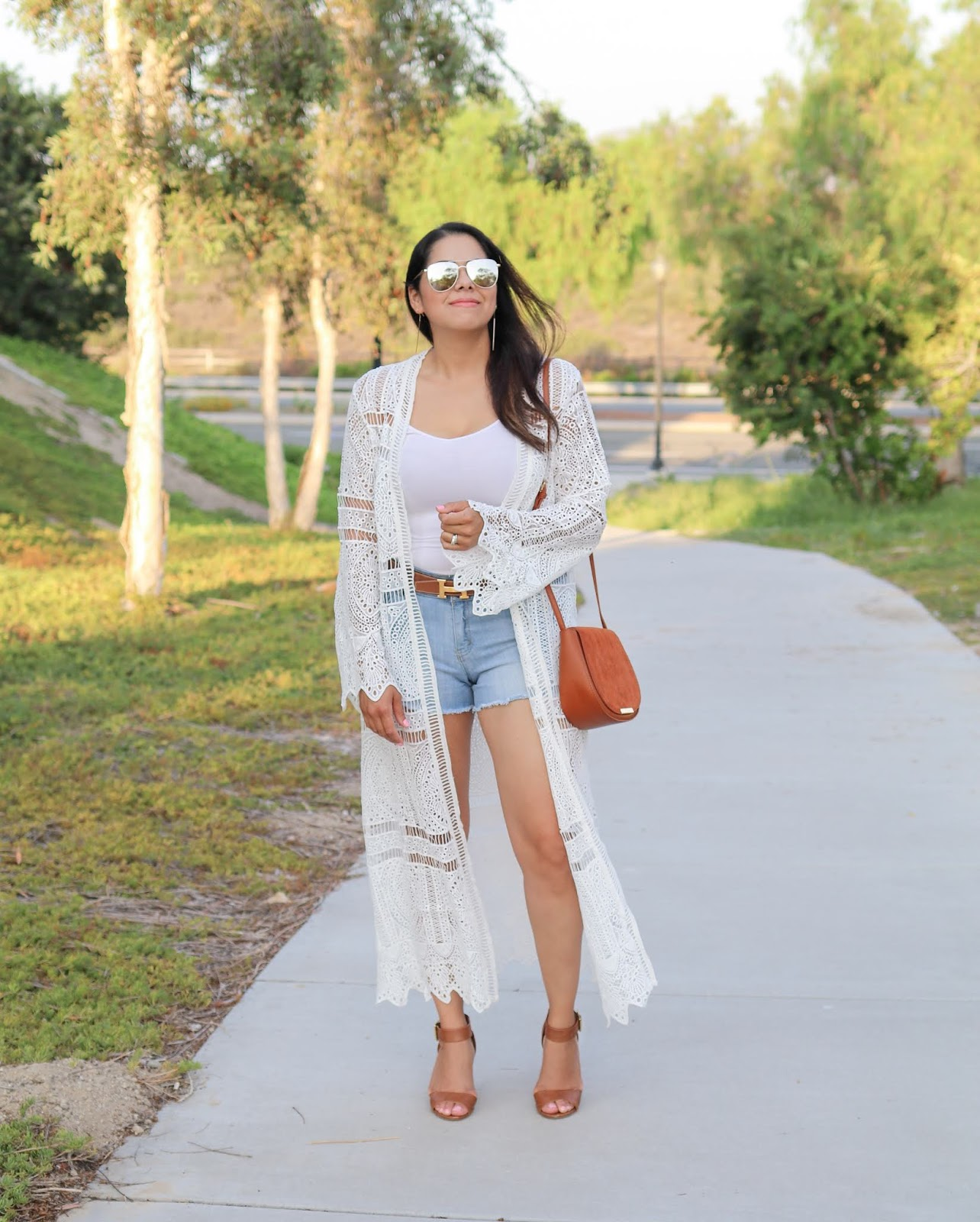 white crochet long kimono, how to wear a crochet kimono, best of summer outfits