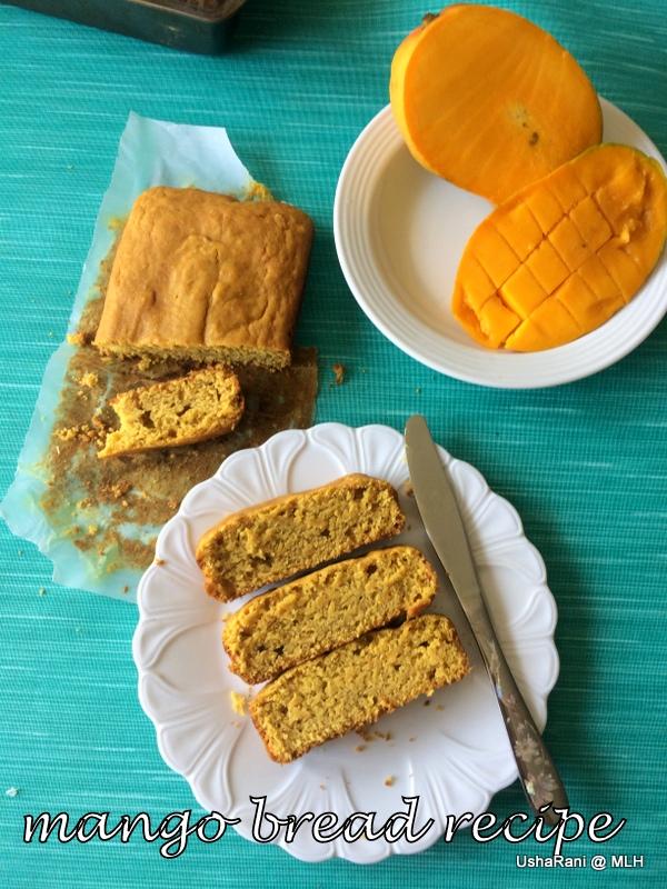Banana Cheesecakewith Vanilla Wafers Around The Cake