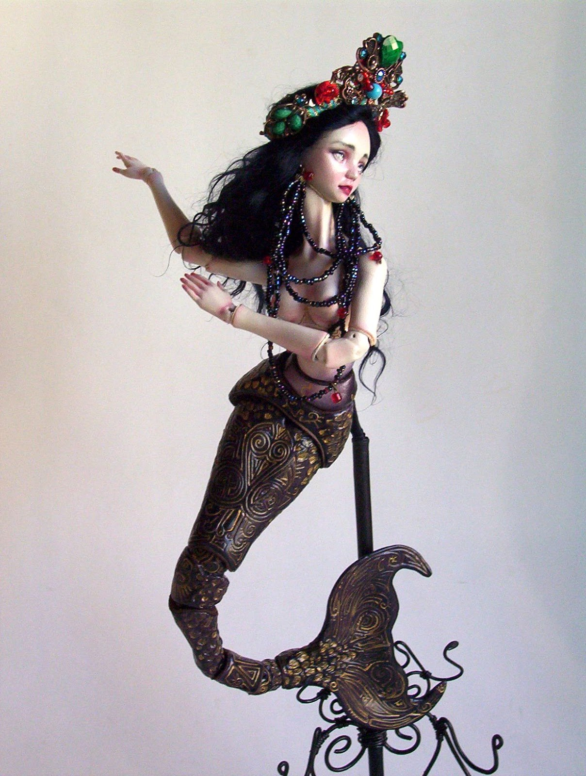 The mermaid queen, a porcelain bjd doll by amado gravagno