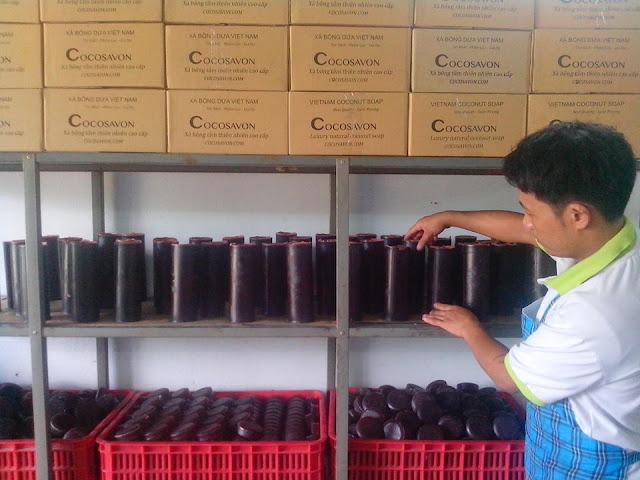 Nghề Gia Công Xà Bông Thiên Nhiên Làm Từ Tinh Dầu Dừa Nguyên Chất