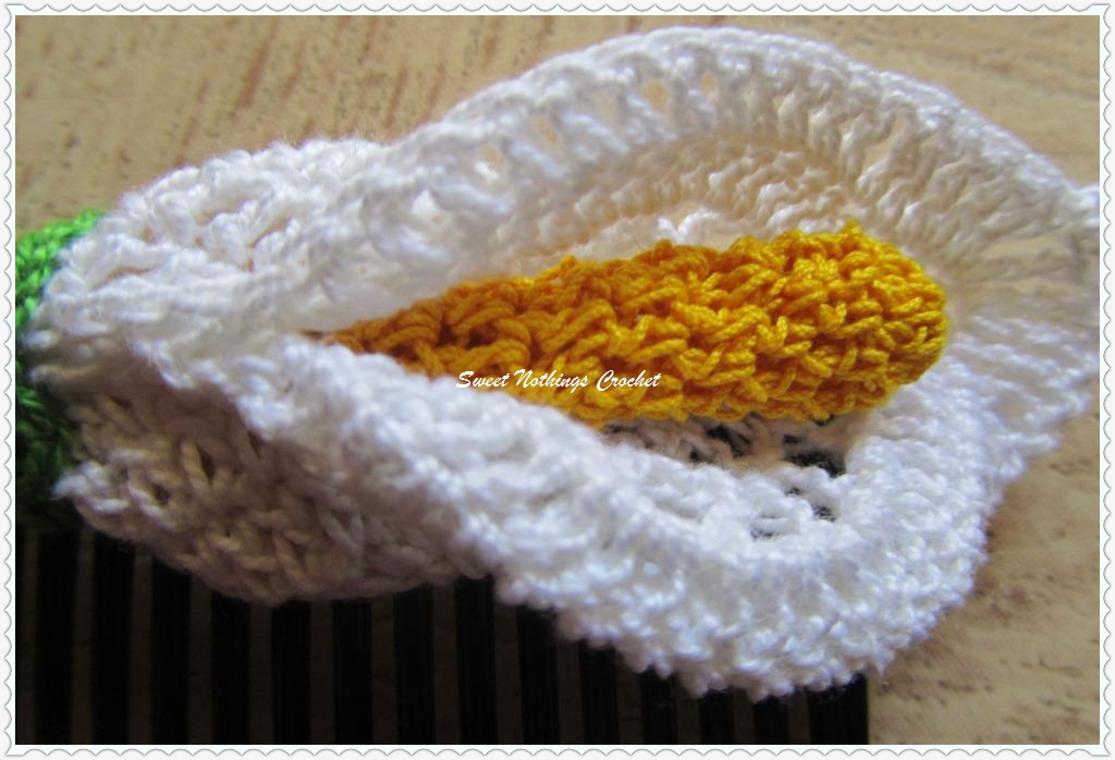 Sweet Nothings Crochet Exquisite Floral Hair Comb 4 The Beautiful