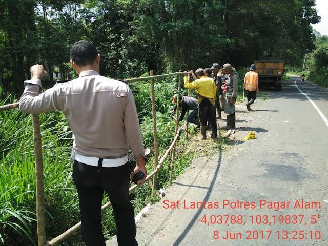 Polres Dan Dinas Pu Antisipasi Jalur Rawan Longsor