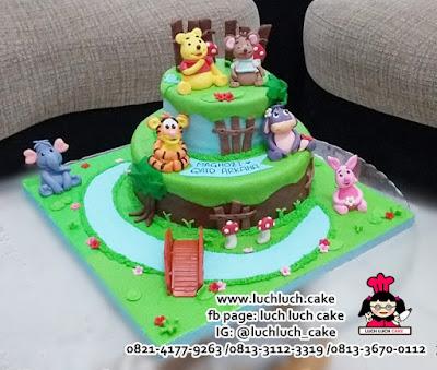 Kue Tart Tingkat Fondant Winnie The Pooh