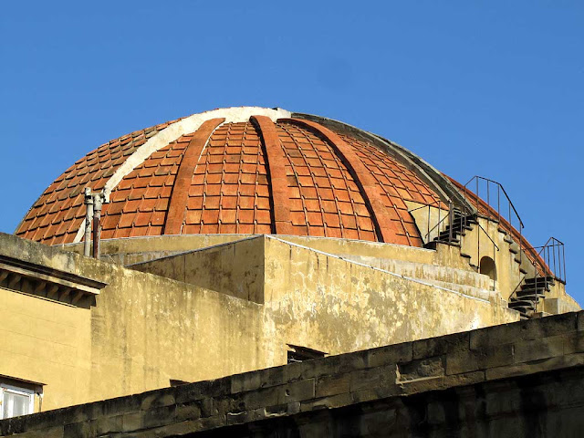 The back of the half-dome of the Cisternone, Livorno