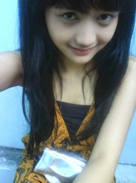 http://anak-berbagi.blogspot.com/2014/04/foto-cewek-cantik-indonesia-tanpa.html