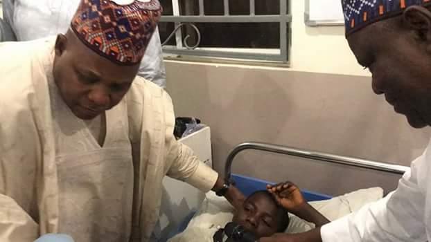 Photos: Governor Shettima visits victims of Biu Market bomb blast in hospital