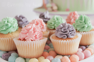 pastel rainbow cupcakes