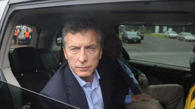 Macri viajará en auto blindado por temor a descontento popular