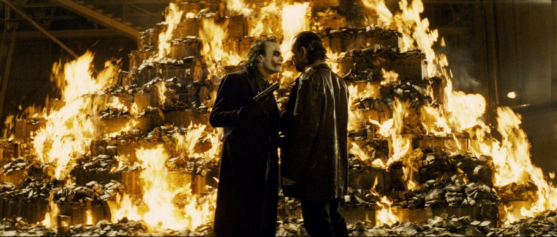 http://2.bp.blogspot.com/-dAXEWn-F41I/TzBdiQczKhI/AAAAAAAAEng/cpCZnOyJAIs/s1600/joker-burns-money.jpg
