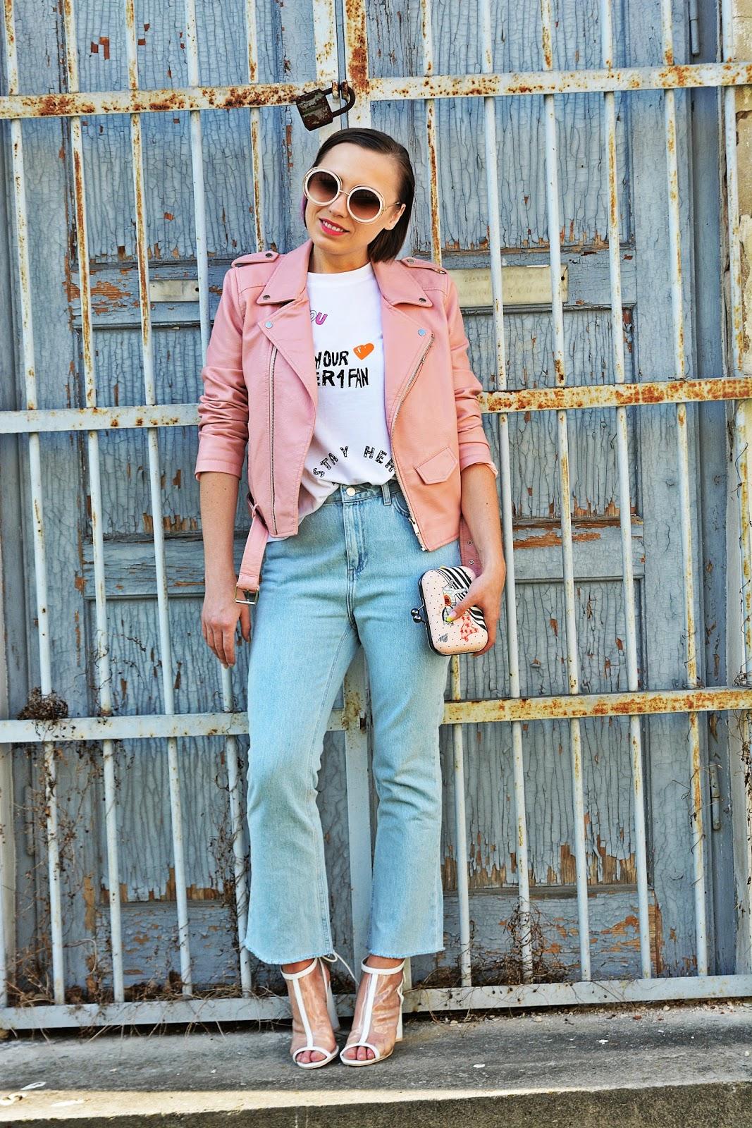 4_nakd_spodnie_jeansy_rozowa_ramoneska_przezroczyste_sandalki_renee_karyn_blog_modowy_220418